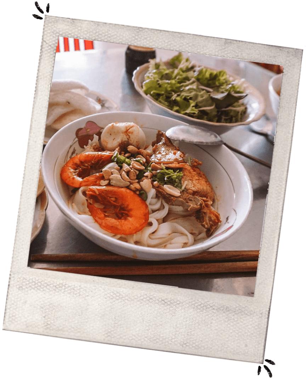 What to eat in Da Nang mi quang Vietnam