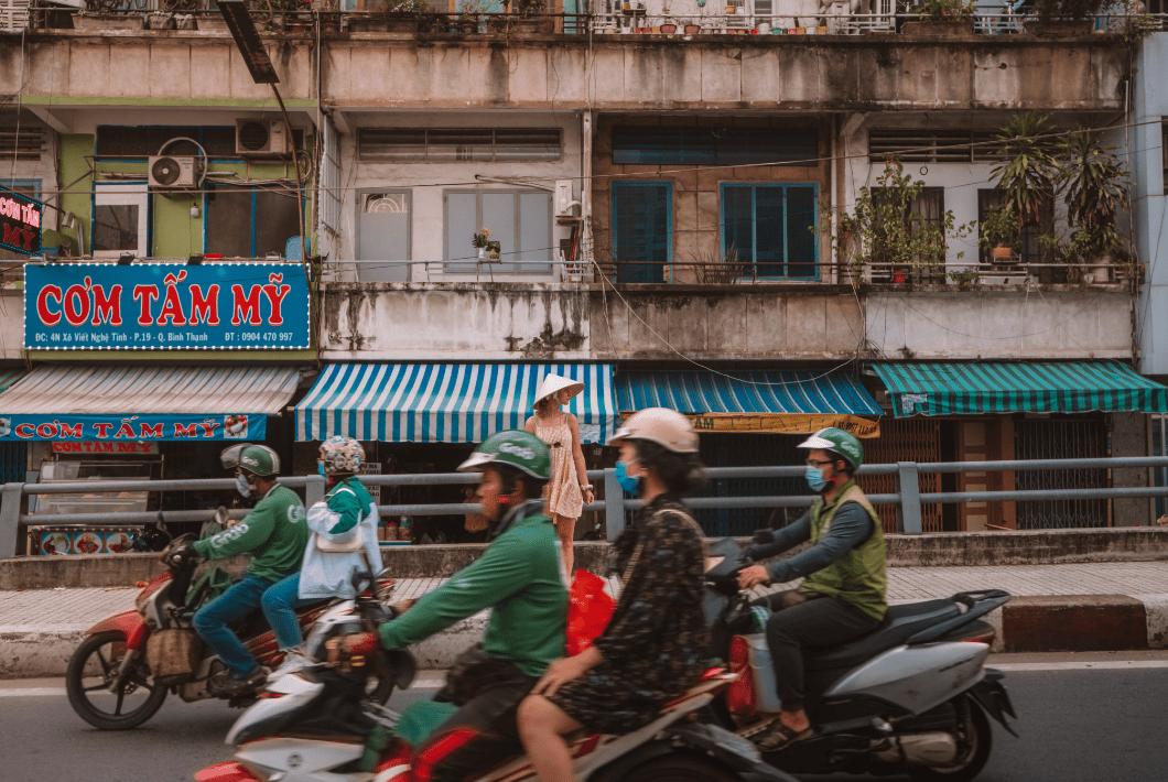 tips for motorbike safety in Vietnam