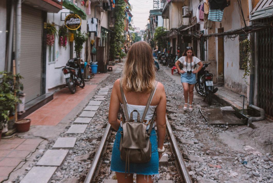 Vietnam travel guide destinations hanoi train street